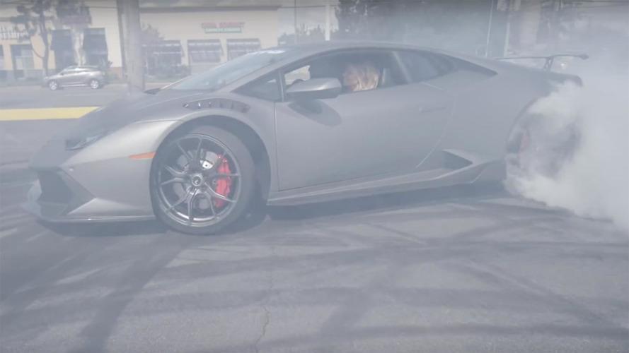 Sam and Stina Hubinette drift a Lamborghini Huracan