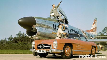 PHOTOS - La Mercedes 300 SL Roadster fête ses 60 ans !