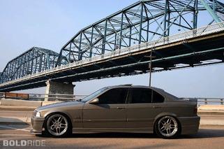 BMW 325i Sedan