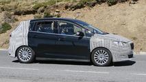 2015 Ford C-Max spy photo