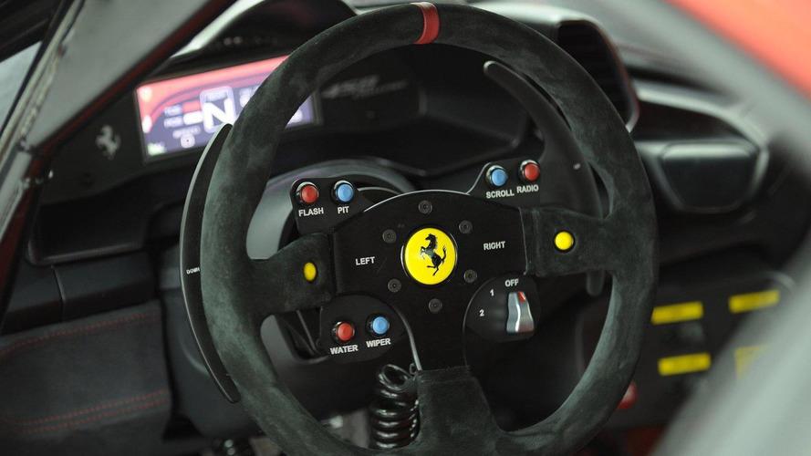 Ferrari 458 Challenge on the track [video]