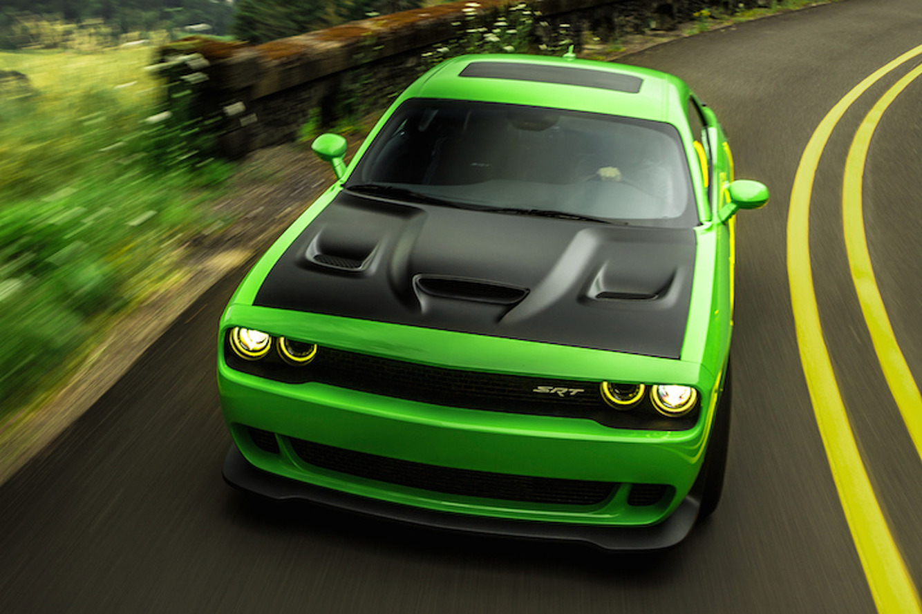 Dodge Challenger Hellcat is a Giggle-Inducing Sociopath: First Drive