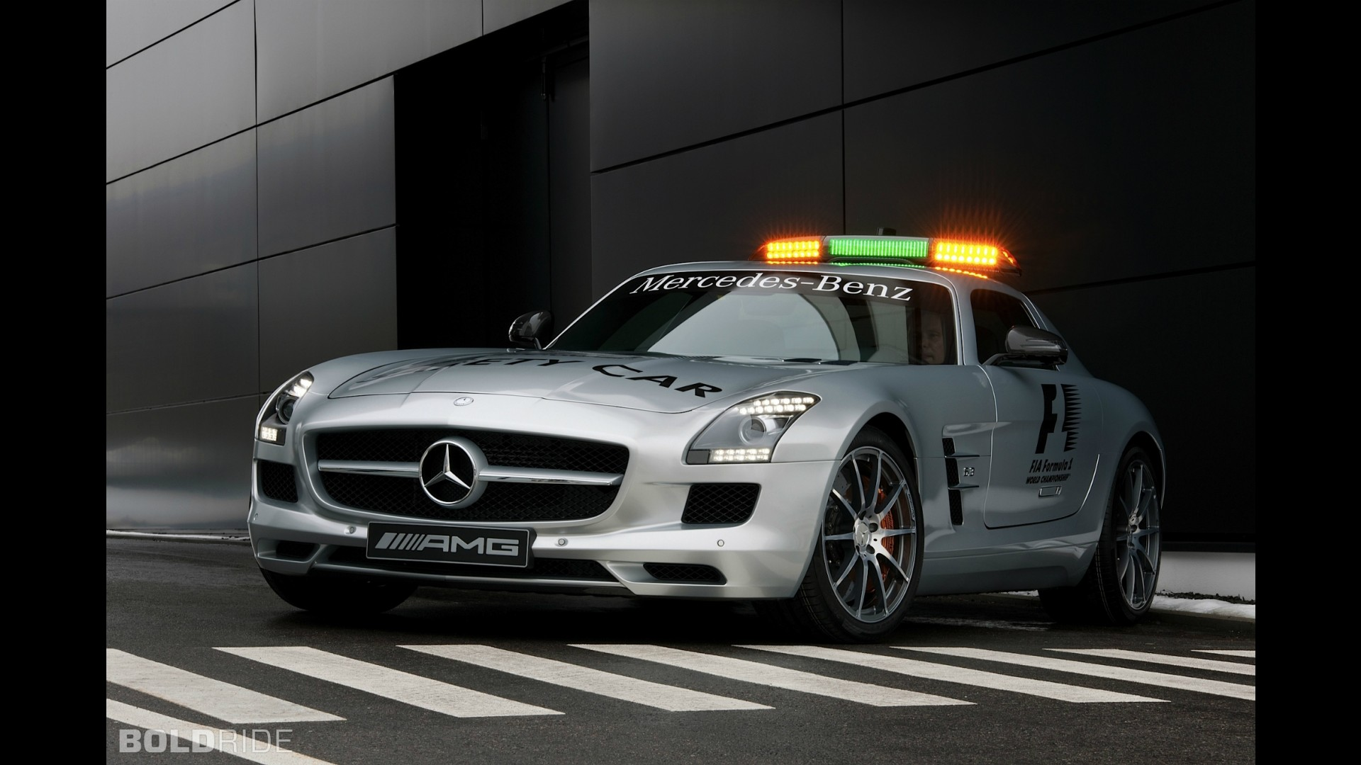 Mercedes benz sls amg f1 safety car for Mercedes benz safety