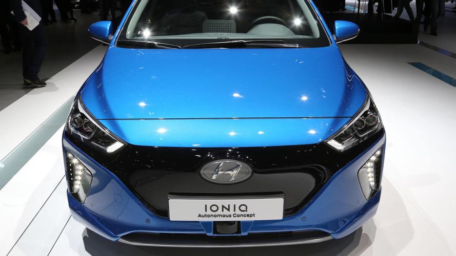 Hyundai Ioniq autonomous concept drives itself into Geneva