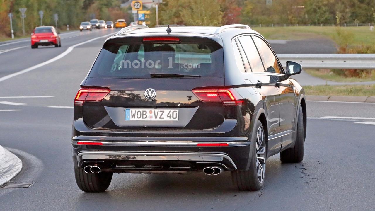 2016 - [Volkswagen] Tiguan II - Page 21 Vw-tiguan-r-spy-photos1