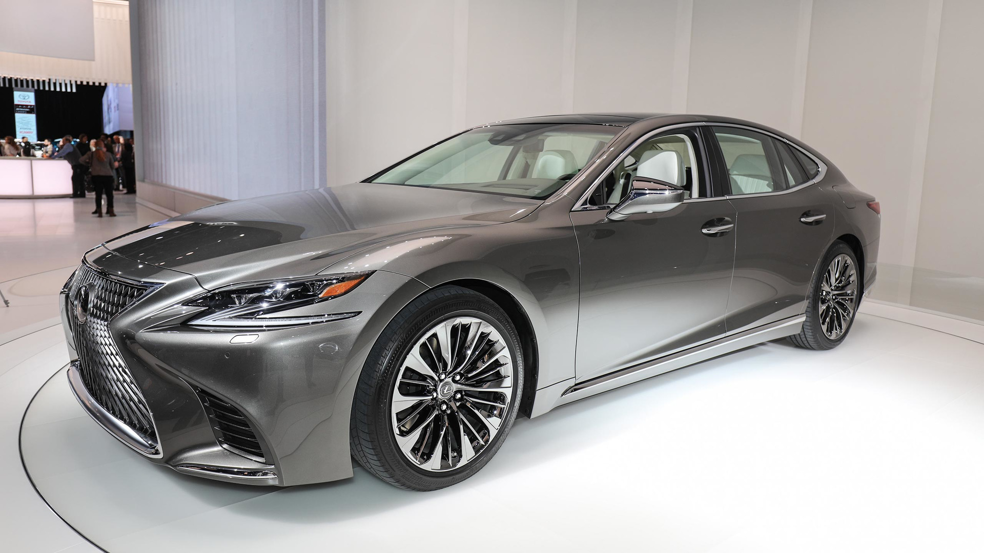 ls-imagesize:1440x956 2018 Lexus LS brings new V6 biturbo to the world product 2017-01-09 13:46:01