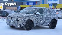 Photos espion - Le Jaguar E-Pace pointe le bout de son nez