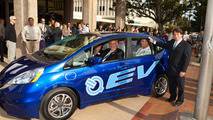 Honda Delivers a 2013 Fit EV to the City of Torrance
