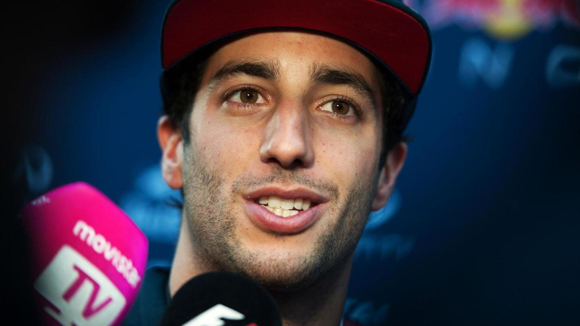 Mercedes in 'another dimension' - Ricciardo