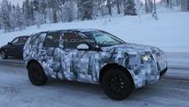 2015 Land Rover Freelander spied cold weather testing