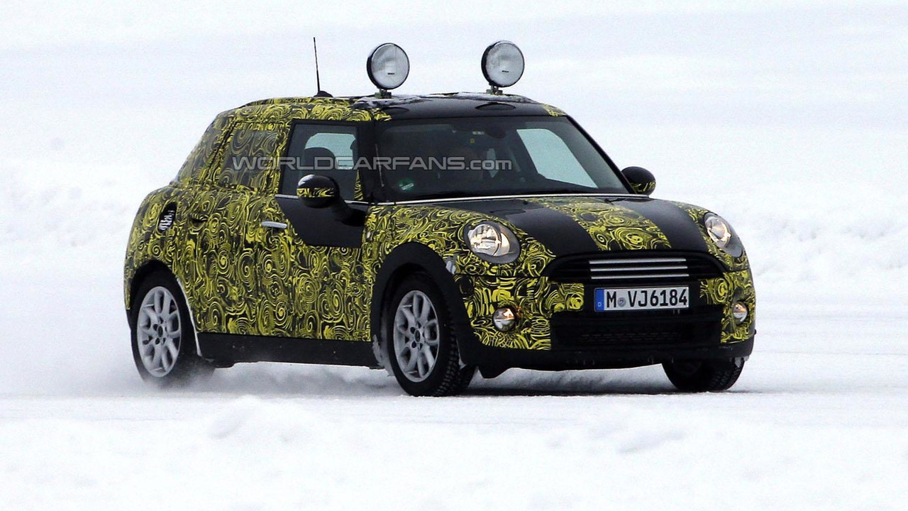 2014 MINI Cooper 5-Door spy photo