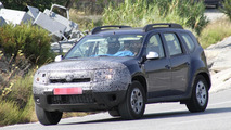 2014 Dacia Duster facelift spied in southern Europe
