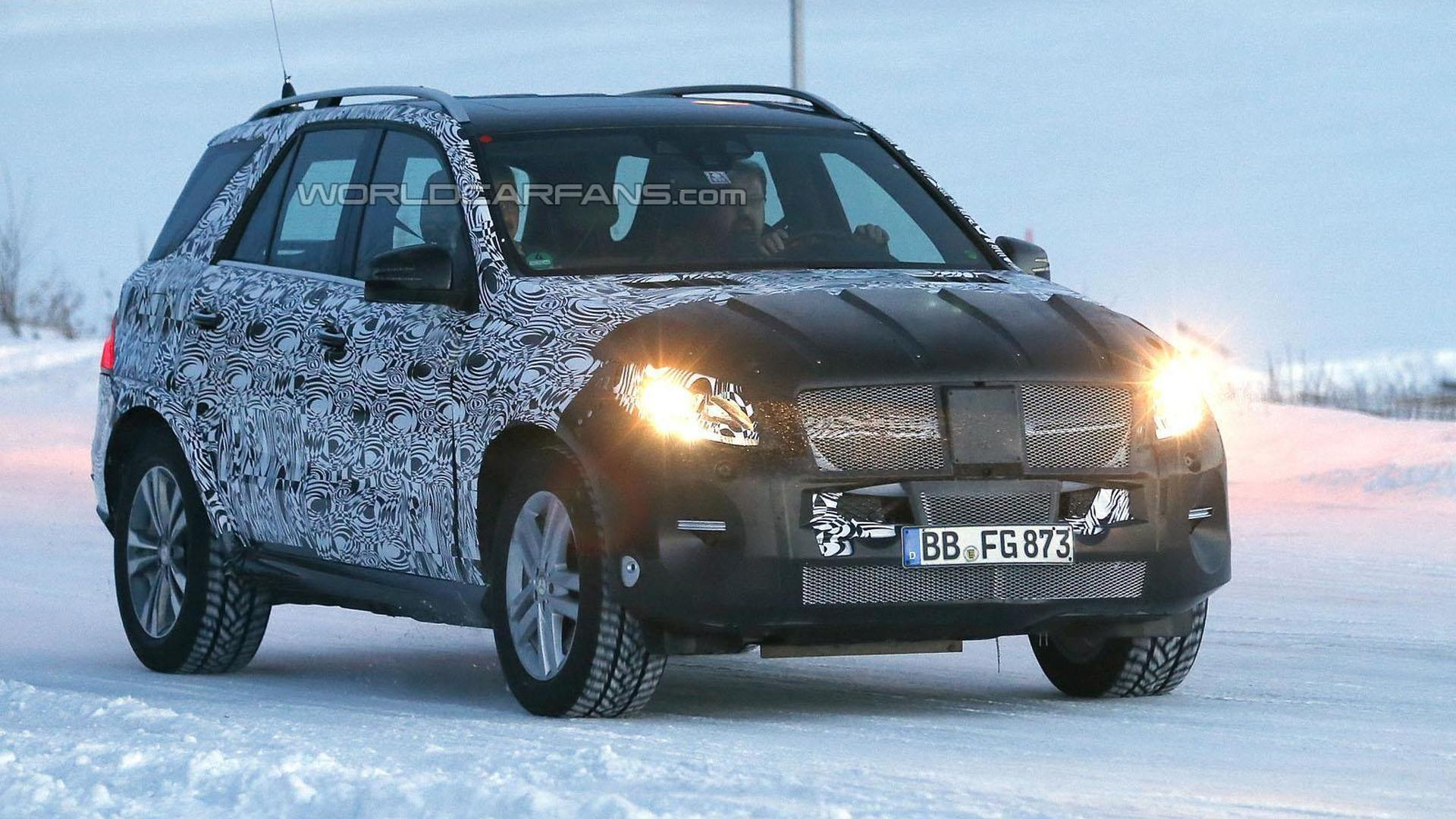 2015 / 2016 Mercedes M-Class facelift spied near the Arctic Circle