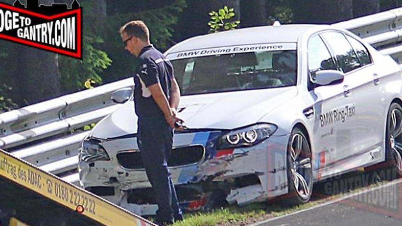 BMW M5 Nurburgring Taxi crash