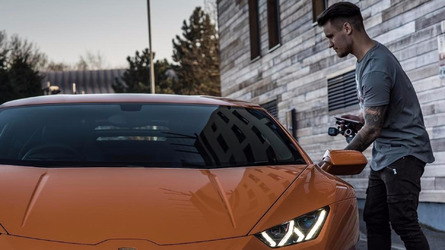 VIDÉO - Un youtubeur de 26 ans s'offre une Lamborghini Huracan