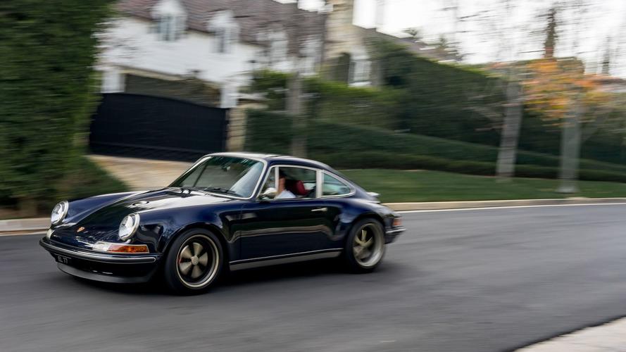 PHOTOS - Cet homme roule tous les jours en Porsche réimaginée par Singer