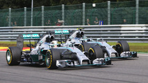 Drivers back Rosberg over Hamilton clash