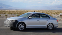 2014 Volkswagen Jetta facelift spied hiding a new face