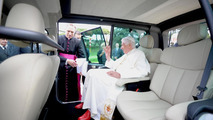 Pope Benedict XVI takes delivery of his Renault Kangoo Z.E 06.9.2012