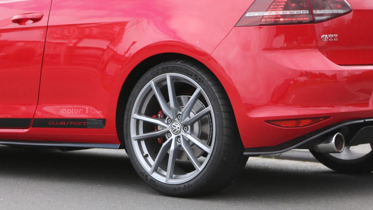 Volkswagen Golf GTI Clubsport S spy photo