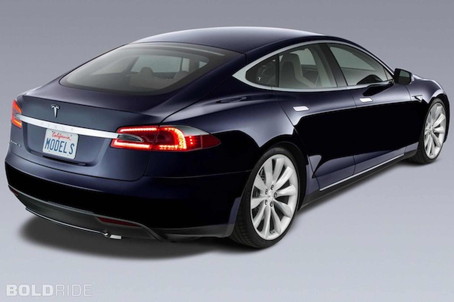 Tesla Promises Autonomous Vehicle by 2016