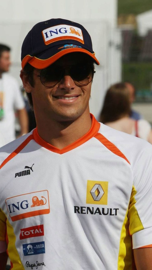 Piquet looks to revive career in NASCAR