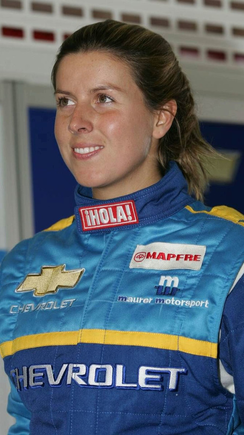 Campos considers female driver for second seat