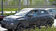 Fiat 500X spied testing once again, based on the Jeep Renegade