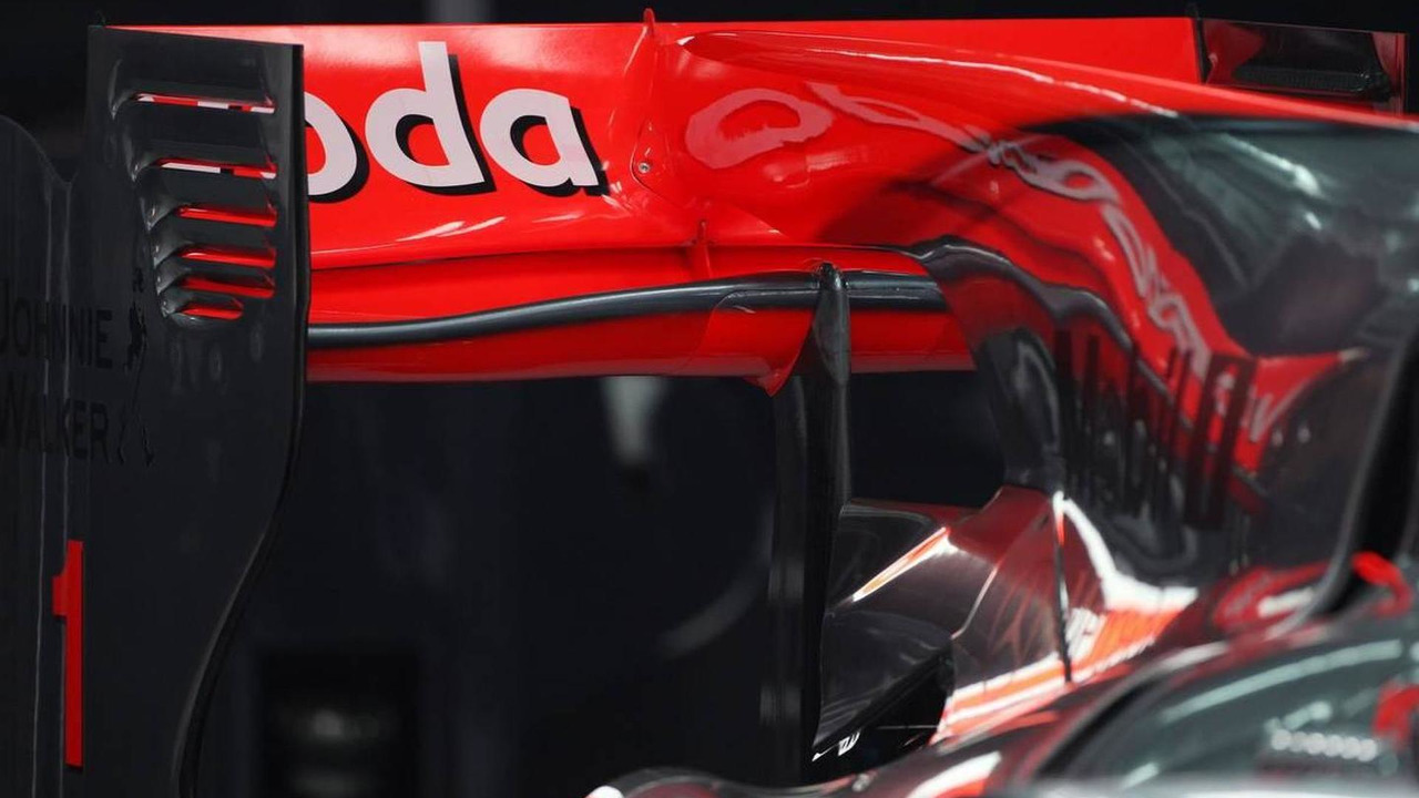 The rear wing of McLaren Mercedes, MP4-25, Bahrain Grand Prix, 11.03.2010 Sakhir, Bahrain