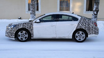 2013 Opel Insignia facelift spied with less disguise