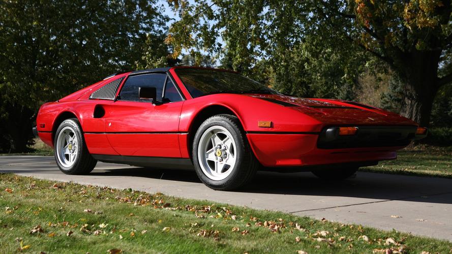 Clássico da TV, Ferrari Testarossa do Magnum vai a leilão