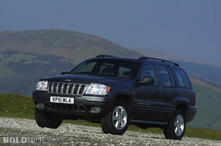 Chrysler Gives in to NHTSA, Issues Jeep Recall