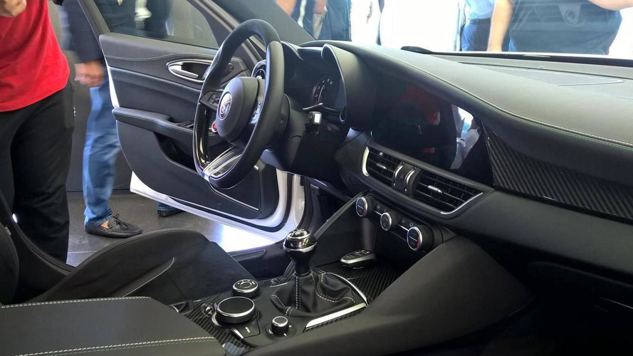 Alfa Romeo Giulia interior fully revealed in new photos