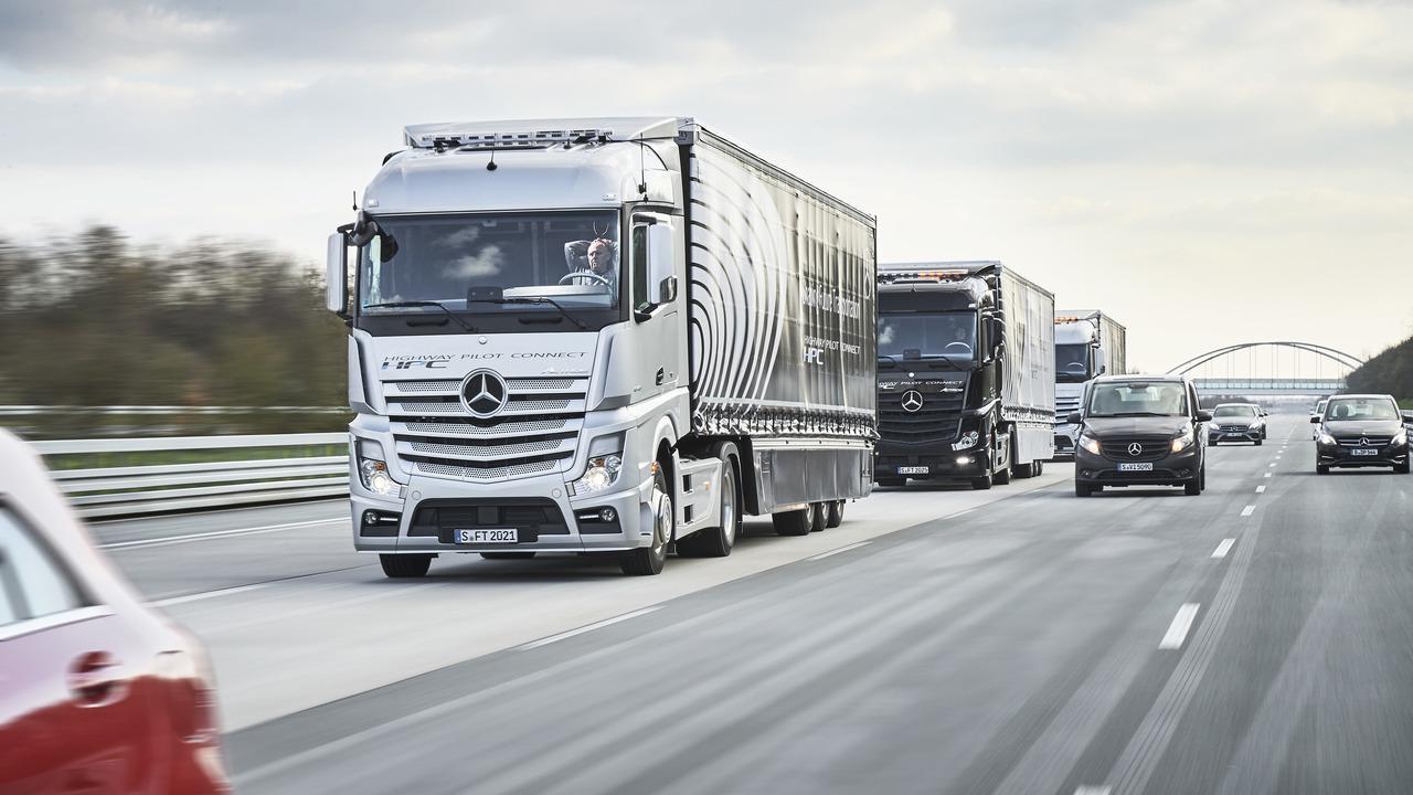 Mercedes-Benz Trucks autonomous convoy