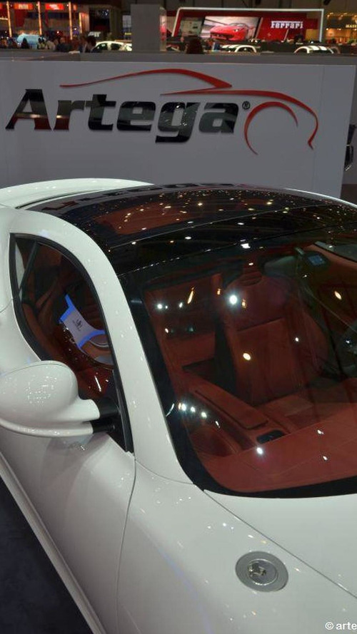 Is the Spyker B6 Venator concept based on the Artega GT ?