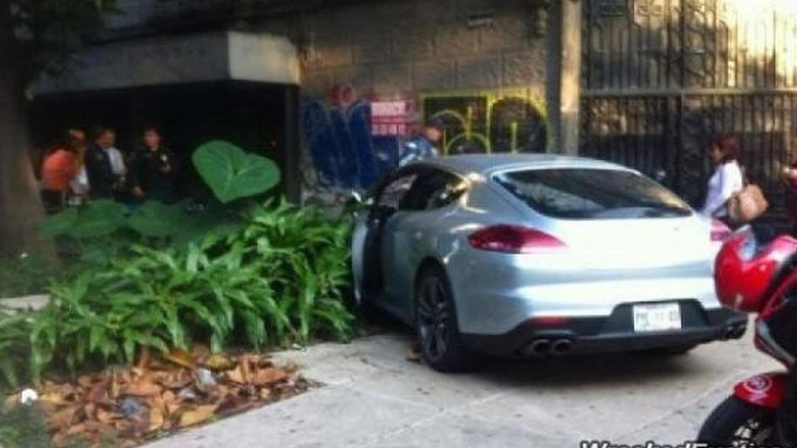 Porsche Panamera Turbo crashed in Mexico City by a diplomat's son