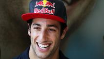 Mateschitz hints 'excellent' Ricciardo to win Red Bull seat