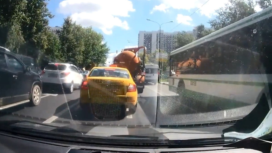 Poop truck explodes in Moscow traffic