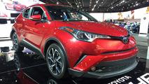 Toyota CH-R com mecânica de Corolla aparece em Detroit