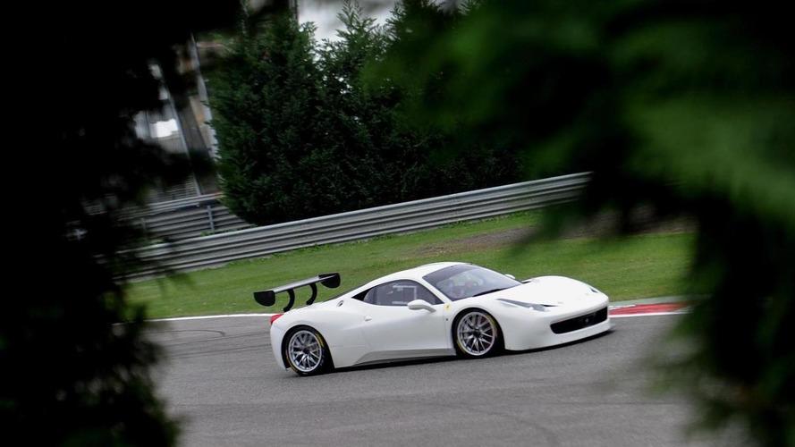 Ferrari 458 Challenge Evoluzione teased, debuts tomorrow