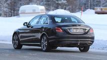 Flagra - Mercedes Classe C reestilizado exibe suas novas lanternas