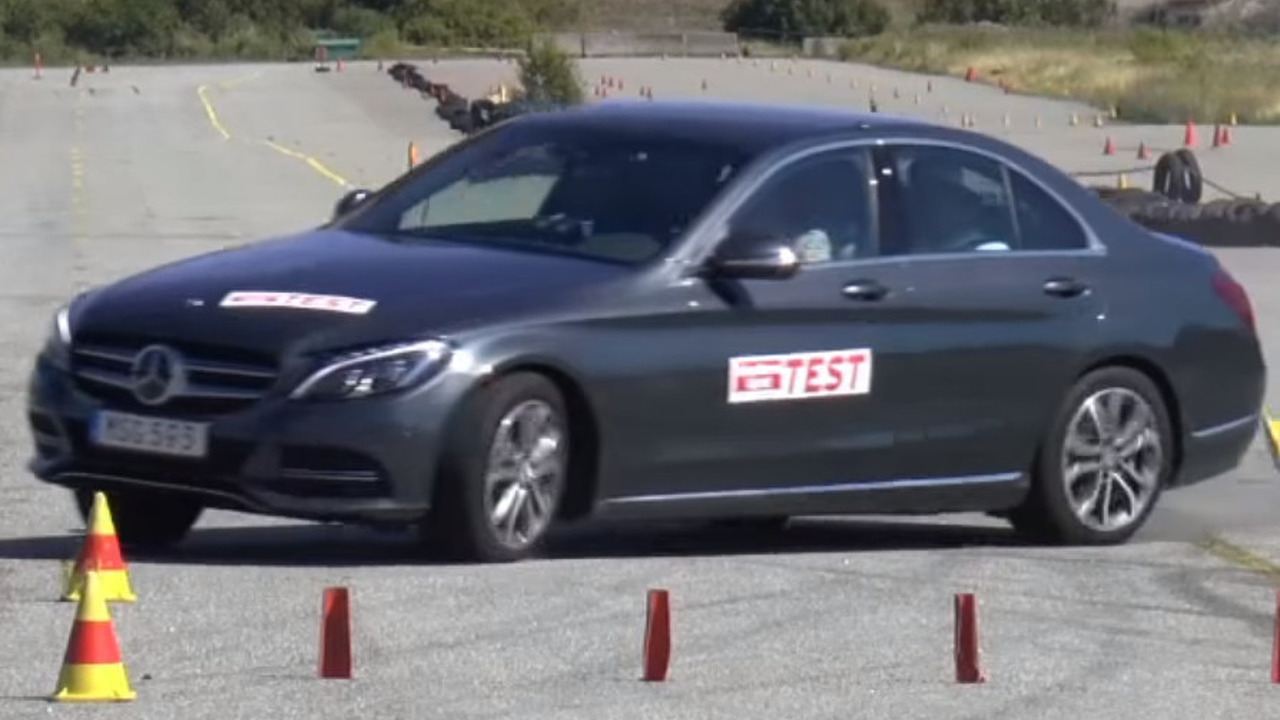 Mercedes-Benz C-Class moose test