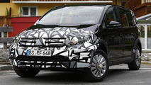 Next-gen Skoda Roomster mule spied for the first time