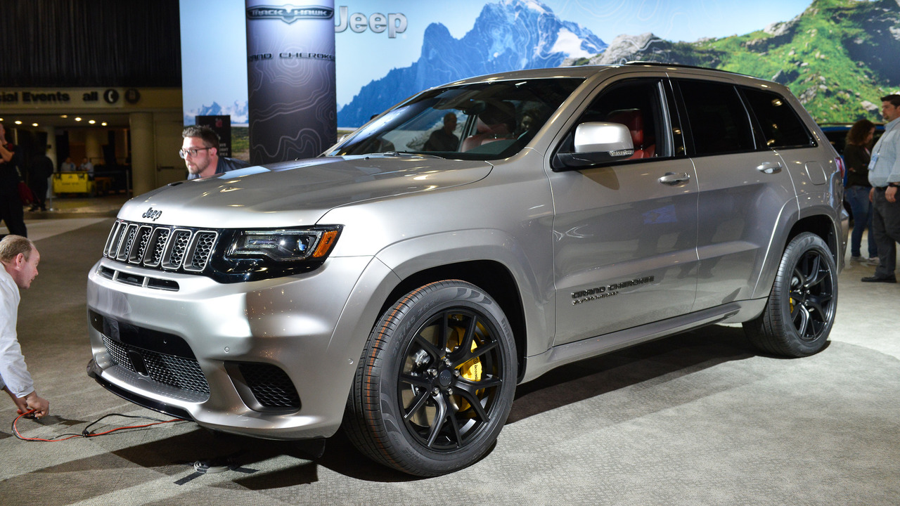 2018 jeep grand cherokee trackhawk has 707 hp of purring hellcat. Black Bedroom Furniture Sets. Home Design Ideas