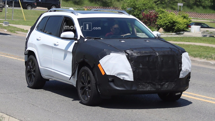 2018 Jeep Cherokee Spied Possibly With Conventional Headlights