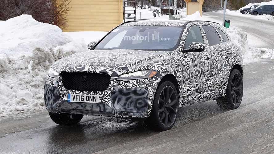 Jaguar F-Pace SVR spied getting ready to fight Porsche Macan Turbo