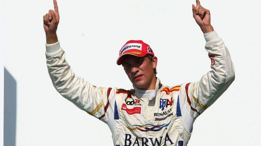 Petrov confirms 2010 talks with Renault