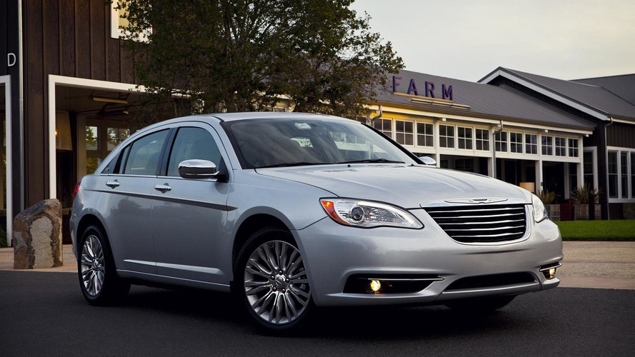 2015 Chrysler 200 to look like an American Mercedes - report