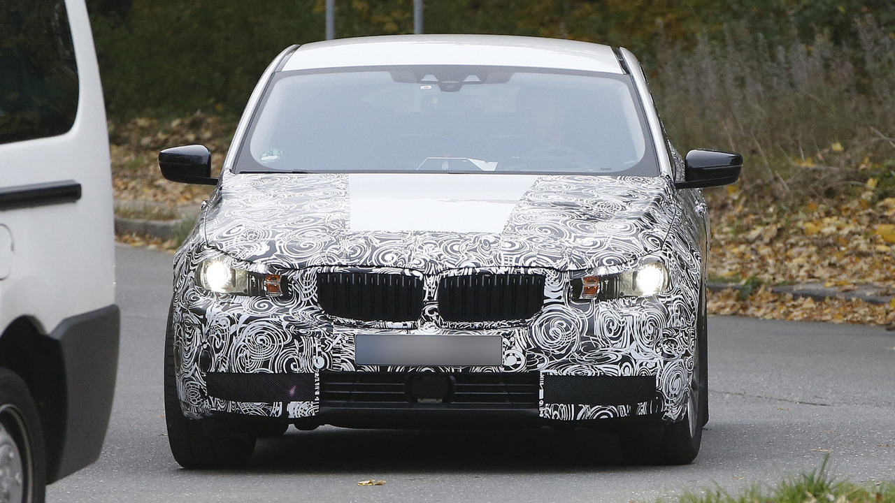 2017 BMW 5-Series GT spy photo