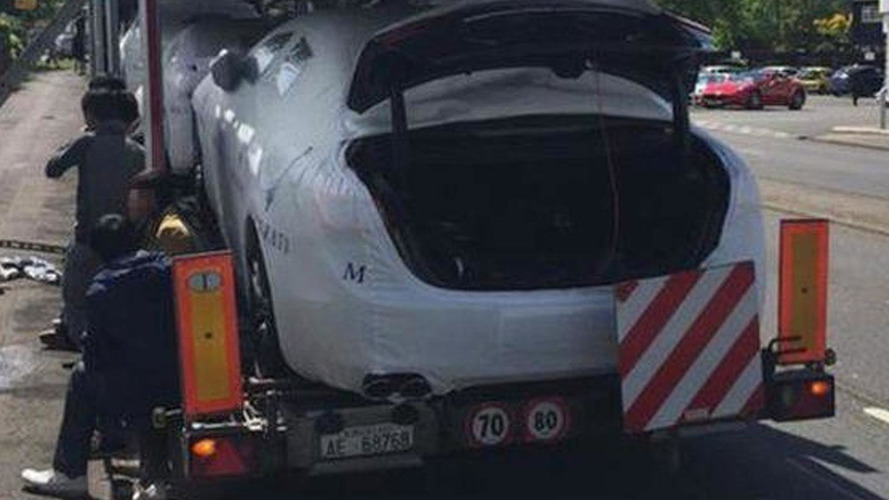 Ten illegal immigrants found in the trunks of brand new Maseratis